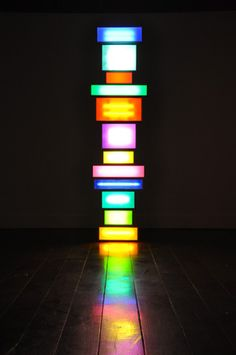 David Batchelor - Spectotem 6 2010  Steel and aluminium lightboxes, steel supports, acrylic sheet, fluorescent lights, cable  281 x 70,5 x 36 cm