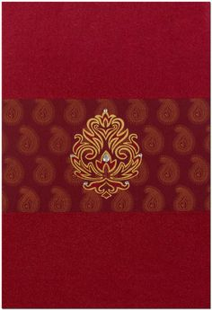 A glorious fabric card has stunning mango shape designs covered the half front panel portion, while inserts has similar design effect all over, comes with contrastive inserts and envelope too. It's awesome! This customize card can be made in various colors.