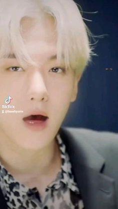 Kim Minseok Exo, Exo Chanbaek, Park Chanyeol Exo, Baekhyun Chanyeol, Handsome Men In Suits, Victon Kpop, Iu Hair, Bts Eyes, Exo Music