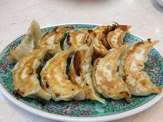 餃子 at 中華料理 王家