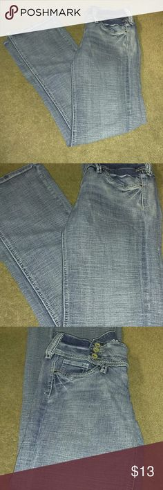 Hydraulic jeans Super cute. Good condition.   Streatchy.  3 buttons give it a good touch.. Hydraulic Jeans
