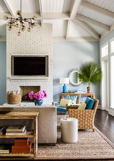 Modern beachy coastal design living room // House of Turquoise: Andrew Howard Interior Design My Living Room, Home And Living, Living Room Decor, Living Spaces, Cottage Living, Coastal Living, Modern Living, Modern Coastal, Estilo Interior