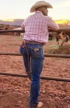 Mostly pics of cowboys I find from internet. A few of my own pics too. Tight Jeans Men, Sexy Jeans, Men's Jeans, Wrangler Jeans, Cowboy Up, Cowboy Hats, Cowboy Boot, Hot Country Men, Country Life