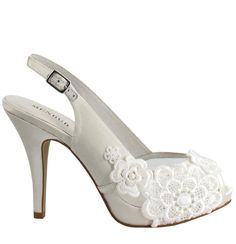 Bridal shoes (CRISAMENTO, Menbur)