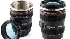 La taza Lente Objetivo es un regalazo para todos los amantes de la fotografía y de todo aquello que sea original y creativo.