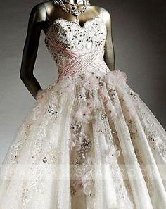 Margery/wedding gown/bridal dress/bride/custom by pandaandshamrock - My wonderful Vestido de Noiva - Covered in Flowers!!
