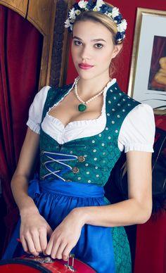 I like the shape of the bodice with high collar.  Dirndl Unikat von Dirndl Liebe. JEDES DIRNDL EIN UNIKAT we <3