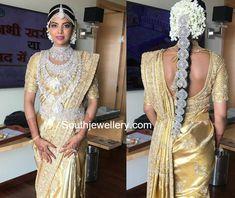 Telugu Bride Hasini Boinipally in her wedding jewellery. South Indian Bridal Jewellery, Indian Bridal Fashion, Indian Wedding Jewelry, Indian Jewellery Design, Jewellery Photo, Gold Jewellery, Diamond Jewelry, India Jewelry, Indian Weddings
