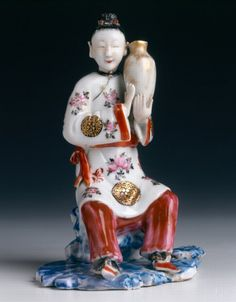 Chinese export porcelain model of a lady holding a vase. Circa 1780, Qianlong reign, Qing dynasty - SOLD