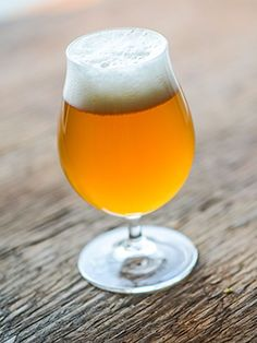 Looking Before You Leap into Home Brewing – Home Beer Brew Brewing Recipes, Homebrew Recipes, Beer Recipes, Make Your Own Beer, How To Make Beer, Beer Brewing, Home Brewing, Brooklyn Brewery, Farmhouse Ale