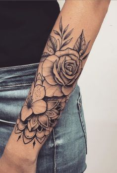Female forearm tattoos 150 great ideas to be selected - tatoo feminina tatoo feminina - diy tattoos diy tattoo - diy best tattoo images , Rose Tattoos, Black Tattoos, Body Art Tattoos, Hand Tattoos, Small Tattoos, Tatoos, Flower Tattoos, Arm Tattoos For Women Forearm, Half Sleeve Tattoos For Women