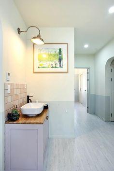 아내의 건강 회복을 위해 지은 천안 프로방스 주택 : 네이버 포스트 Bathtub, Vanity, Bathroom, Standing Bath, Dressing Tables, Washroom, Bathtubs, Powder Room, Bath Tube