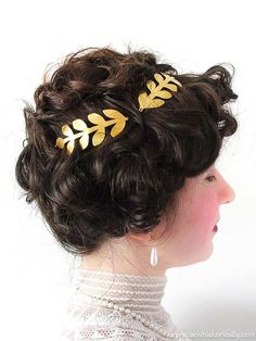 15 Christmas Gibson Girl Hairstyles & Holiday Hair Accessories Milkmaid Braid, Pompadour Hairstyle, Gibson Girl, Satin Roses, Christmas Hairstyles, Diy Hair Accessories, Diy Hairstyles, Her Hair, Beautiful People