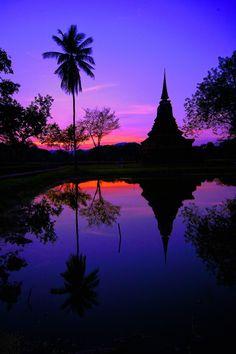 Sunset at Wat Mahathat