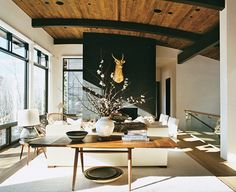 Find stylish examples of black accent walls perfect for a wall in your home that is tough to style. Domino shares photos of black accent walls to try in your home. Lodges Design, House Styles, Aspen House, Home And Living, Home Living Room, Black Walls, Interior Design, House Interior, Black Accent Walls
