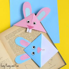 Bunny Corner Bookmark - DIY Origami for Kids An easy Easter origami bookmark that is the perfect craft for kids to make and take home this spring!An easy Easter origami bookmark that is the perfect craft for kids to make and take home this spring! Easter Crafts For Toddlers, Bunny Crafts, Easter Activities, Easter Crafts For Kids, Cute Crafts, Toddler Crafts, Easter Decor, Easy Crafts, Simple Kids Crafts
