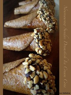 Nouveau Raw Ice Cream Sundae Drumstick Cones    [Flax seeds, water, banana, cold-pressed olive oil, raw agave, cinnamon, salt, raw coconut crystals, raw cacao, peanuts (optional), mesquite powder]