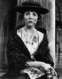 """""""My Fair Lady"""" on Broadway at the Mark Hellinger Theatre Julie Andrews as Eliza Doolittle Lerner and Loewe, 1956 Patti Smith, Jane Birkin, Child Actresses, Actors & Actresses, Classic Hollywood, Old Hollywood, Hollywood Icons, Hollywood Stars, Hollywood Glamour"""