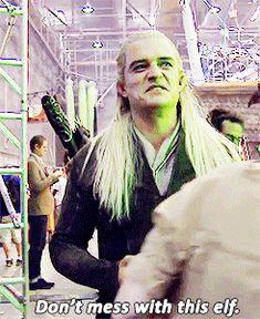 Behind the Scenes: Orlando Bloom (gif set) haha Don´t mess with Legolas