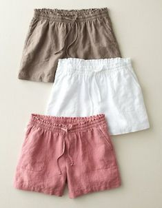 love these shorts! Weekend Linen Shorts, all they need are a well worn button down and favorite sandals.Weekend Linen Shorts (any color but white)linen shorts, perfect for summerlife saver in heat & humidity--> use parkside shorts patterns; Short Niña, Summer Outfits, Cute Outfits, Summer Shorts, Emo Outfits, Summer Dresses, Jupe Short, Mode Boho, Inspiration Mode