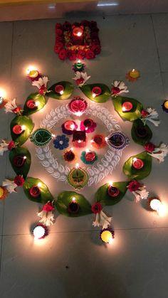 Diwali home decor ideas Simple Rangoli Designs Images, Rangoli Designs Flower, Rangoli Patterns, Colorful Rangoli Designs, Rangoli Ideas, Rangoli Designs Diwali, Flower Rangoli, Beautiful Rangoli Designs, Diwali Rangoli