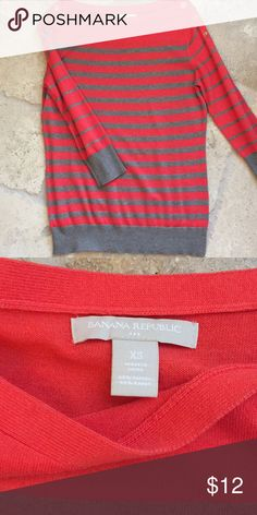 NWOT Banana Republic Top XS Coral and gray top by Banana Republic. The material is very light. Cute button details on shoulder. Size XS. Bundle and save! Banana Republic Tops