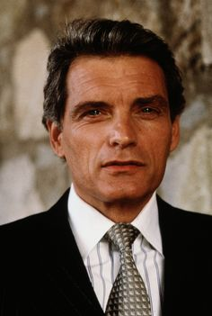 Actor David Selby turns 74 today - he was born 2-4 in 1941. Mid and younger Boomers who were glued to the TV watching Dark Shadows knew him as Quentin Collins. He also was on Falcon Crest for 8 years.