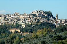 """""""onde Perugia sente freddo e caldo/  da Porta Sole..."""" Dante, Par. XI"""