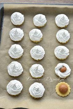 "Ciasteczka ""Pocałunki wróżek"" - przepis Christmas Baking, Christmas Cookies, Mary Recipe, Marzipan, Food Festival, Love Is Sweet, Sweet Recipes, Goodies, Food And Drink"