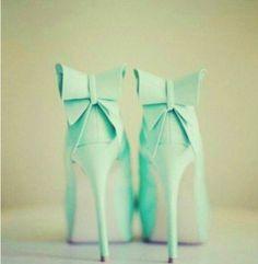 Ярко зеленые туфли