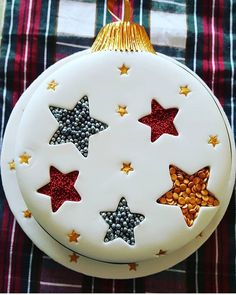 Christmas Day Custom Dessert - Page 27 of 48 - zzzzllee Christmas Cake Designs, Christmas Cake Decorations, Christmas Cupcakes, Holiday Cakes, Christmas Desserts, Christmas Treats, Christmas Baking, Christmas Ornament, Dessert Party