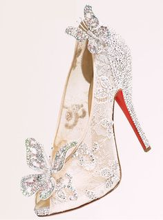 Christian Louboutin Shoes is on clearance sale,only… Pretty Shoes, Beautiful Shoes, Cute Shoes, Me Too Shoes, Awesome Shoes, Dream Shoes, Crazy Shoes, Bridal Shoes, Wedding Shoes