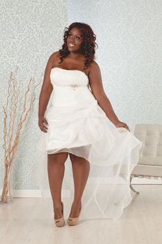 Real Size Bride Rosalyn---plus Destination Or Reception Wedding Dress $299