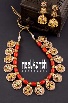 Real Gold Jewelry, Gold Jewelry Simple, Coral Jewelry, Bridal Jewelry, Jewelry Accessories, Antique Jewellery Designs, Beaded Jewelry Designs, Bead Jewellery, Amrapali Jewellery
