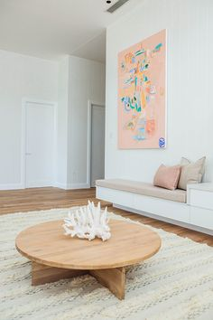 Former Blockheads Kyal and Kara created a luxury coastal home that oozes style and ticks all the boxes. See all the photos and get the couple's reno tips. Coastal Living Rooms, Small Living Rooms, Coastal Homes, Living Room Decor, Coastal Cottage, Living Area, Living Spaces, Small Lounge Rooms, Kyal And Kara