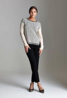 Pantaloni capri e pull jacquard crema e grigio argento per un'inverno di classe! http://blog.carlaferroni.it/?p=2923