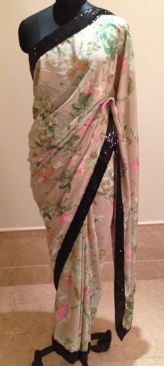 Crepe Ethnic Clothes, Ethnic Outfits, Printed Sarees, Indian Style, Saris, Indian Sarees, Beautiful Hands, Indian Fashion, Dress Up