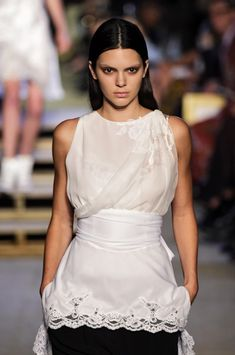 Kendall Jenner Photos - Givenchy - Runway - Spring 2016 New York Fashion Week - Zimbio