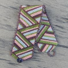схема полосатого браслета 2 - мозаичное плетение   - Схемы для бисероплетения / Free bead patterns -