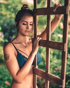 Ensaio Feminino | Vamos fazer o seu? • •• ••• Fernanda Borges@ffeborges. ••• Ensaio Feminino | www.thiagoveras.com •• • #ensaiofeminino #portrait #bolhadevidro #globe_people #preludestory #bravogreatphoto #moodyports #portraitpage #ig_mood #omelhorclick #aovportraits #portraitmood #portraitfolk #portrait_vision #retratofeminino #playboybrasil #estilodevida #floripa #santacatarina #florianopolis #ilhadamagia #startersonly #portraitstream #sob_lentes #uniqueports #peoplefeature…
