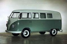 Volkswagen an end of an Era Volkswagen Transporter, Volkswagen Bus, Vw T1, Vw Camper, Moto Car, Wheels On The Bus, Vintage Vans, Vw Cars, Vespa