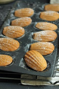 Madeleines, a sweet treat Fun Desserts, Dessert Recipes, Dessert Dishes, Yummy Recipes, Baking Recipes, Cookie Recipes, Madeleine Recipe, Cupcake Cakes, Sweet Tooth