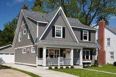 Cape Cod Home Ideas. The gray exterior is James Hardie lap siding in Aged Pewter Cape Cod Home Ideas. The gray exterior is James Hardie lap siding in Aged Pewter Exterior Gris, Cape Cod Exterior, Exterior House Siding, Exterior Design, Cape Cod Siding, Bungalow Exterior, Exterior Shutters, Building Exterior, Modern Exterior