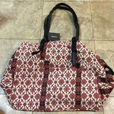 "Forever 21 large zipper purse NWT large purse with very cute pattern. 12"" tall x 15"" wide. Three pockets on outside, two pockets inside, zipper closure. No trade offers please! Forever 21 Bags Shoulder Bags"