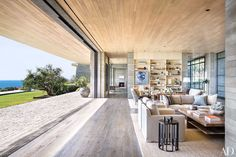 Real-Estate Maven Kurt Rappaport's Striking Malibu Home Photos | Architectural Digest