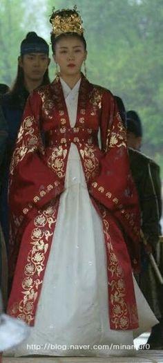 Korean Traditional Dress, Traditional Fashion, Traditional Dresses, Empress Ki, Korean Dress, Hanfu, Costume Dress, Korean Actors, Nice Dresses