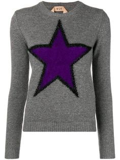 When it's cold all we want to wear is a cozy sweater , luckily our women's knitwear at Farfetch is so attractive. High Neck Jumper, N21, Cozy Sweaters, Black Wool, Purple And Black, Skinny Fit, Wool Blend, Knitwear, Feminine