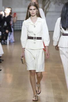 Oscar de la Renta Spring 2017 Ready-to-Wear Fashion Show - Sandra Schmidt