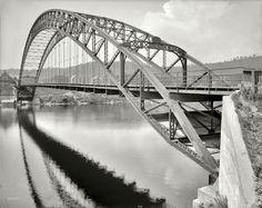 Shorpy Historical Photo Archive :: Slow Bridge, Bellows Falls, VT: 1908