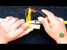 So easy to start fishing net Red Malla, Net Making, Survival Knots, Lacemaking, 550 Paracord, Filets, Macrame Knots, Youtube, Tapestry Weaving